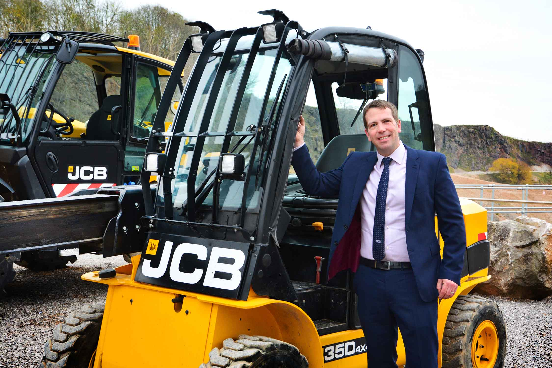 David Banks, Sales Manager – Waste & Recycling Sector at JCB: SEVEN TOP TIPS TO BEING SAFE AND PRODUCTIVE