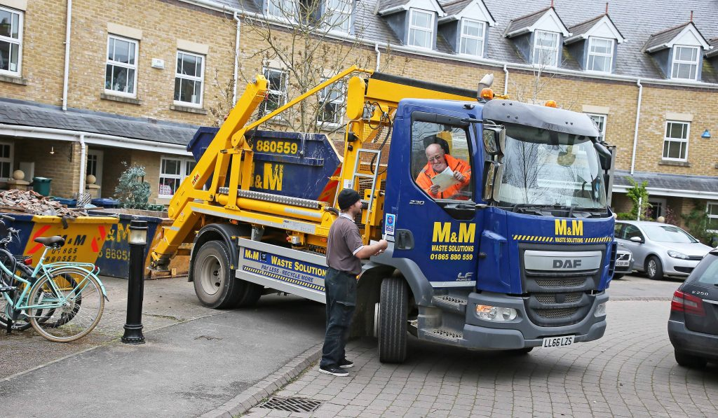 SAFETY FIRST! M&M WASTE SOLUTIONS FINDS HYVA'S REMOTE CONTROL SKIPLOADER  OPERATING SYSTEM IDEAL FOR URBAN OPERATIONS