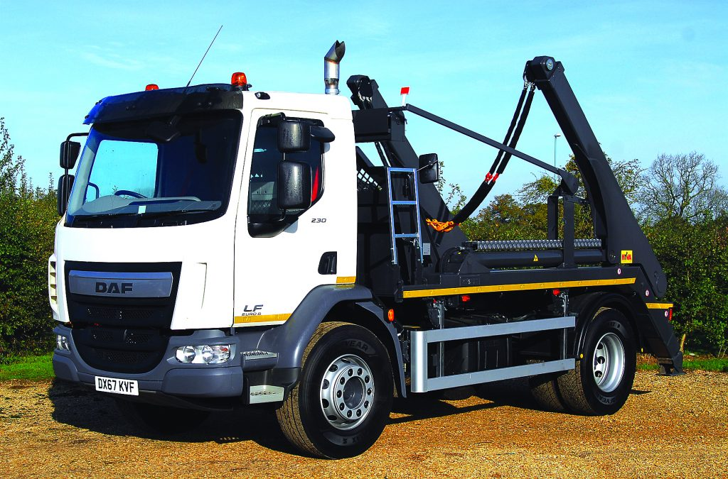 CTS DAF Skip Loader 17 Side Angle