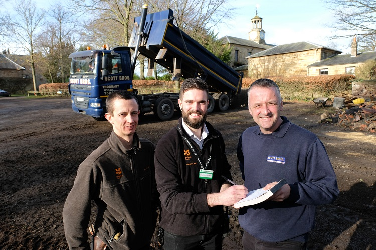 Scott Bros. banish motorists' muddy memories at Ormesby Hall
