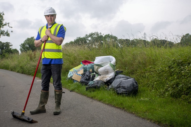 Waste app creator issues call to arms against fly tipping
